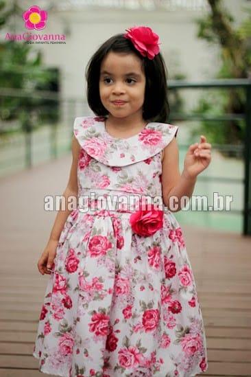 vestidinho de menina floral rosa