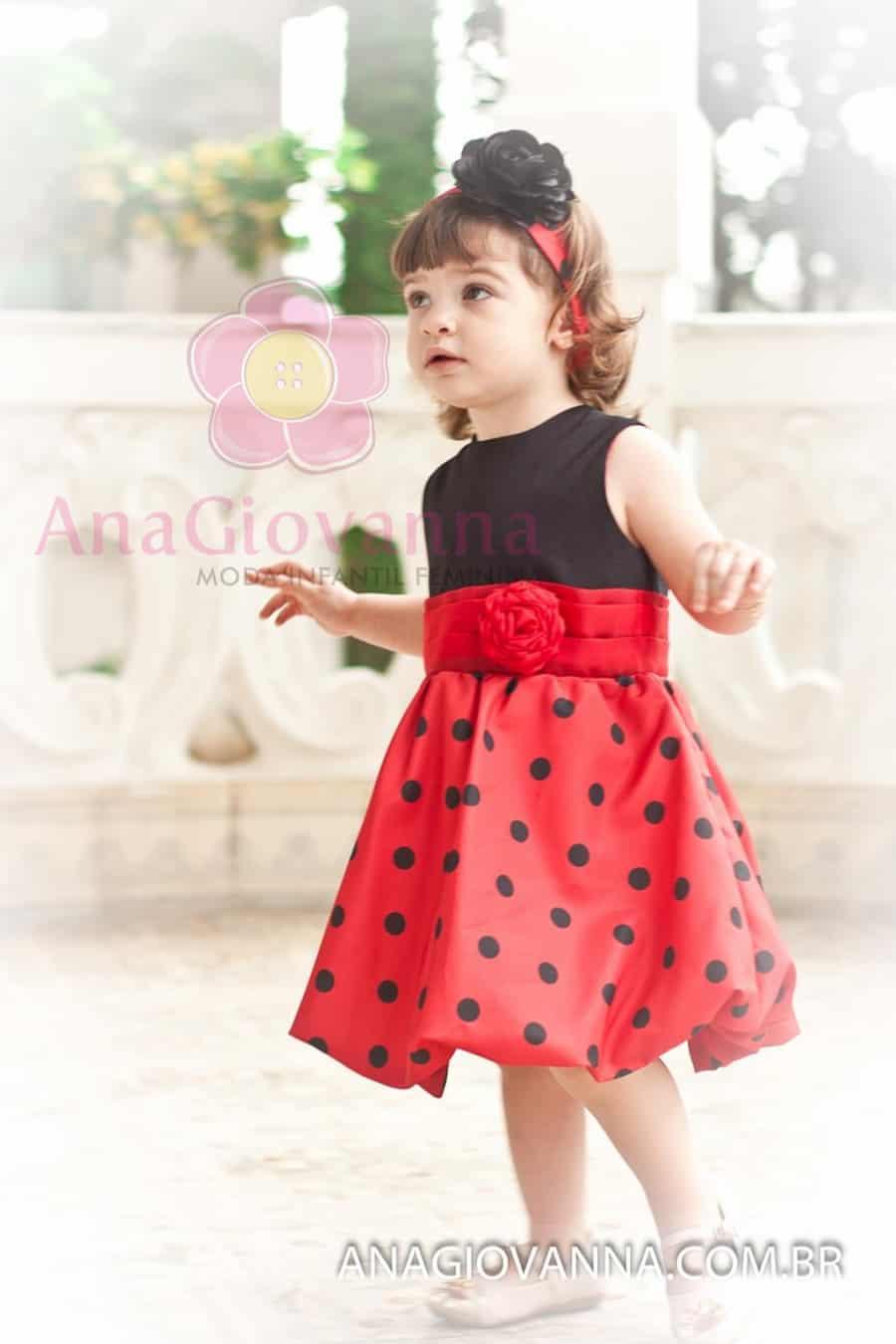 Vestido infantil de aniversário da Joaninha