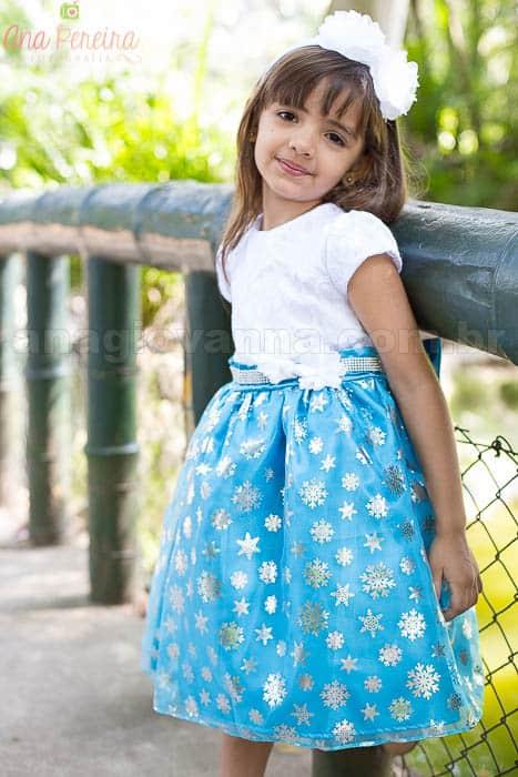 Vestido infantil azul e branco