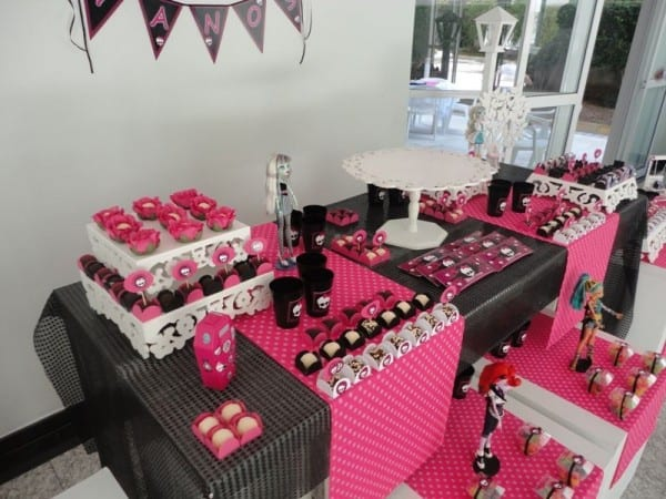 festa-monster-high-preto-branco