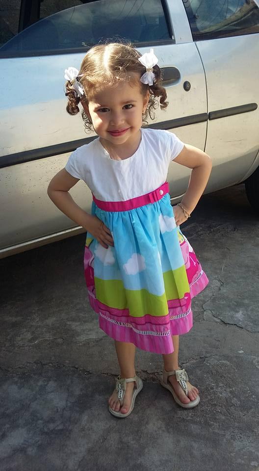 0002 Elas vestem vestidos infantil de festa Ana Giovanna