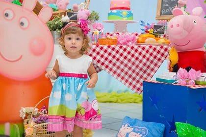 0006 Elas vestem vestidos infantil de festa Ana Giovanna