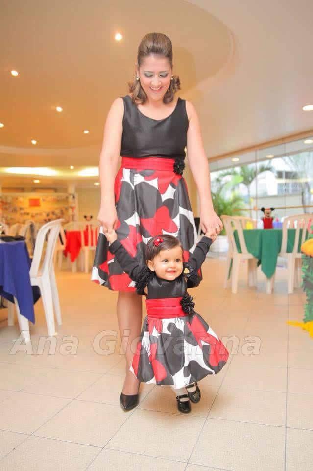 01 Elas vestem vestidos infantil de festa Ana Giovanna