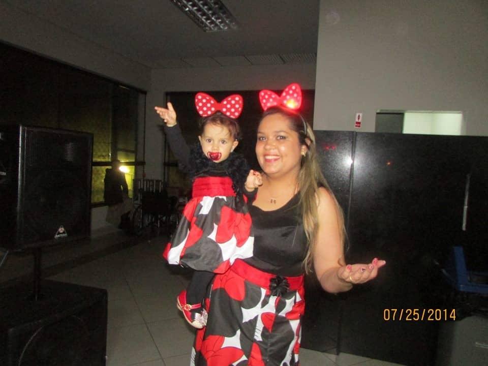 07 Elas vestem vestidos infantil de festa Ana Giovanna
