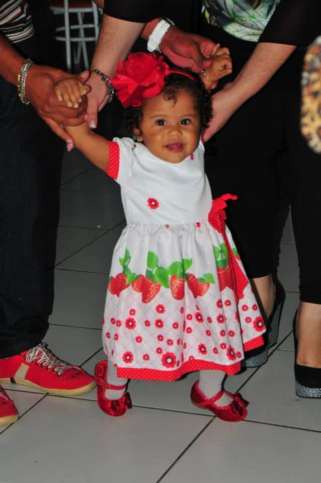 1533727 185328145007235 637772221 n Elas vestem vestidos infantil de festa Ana Giovanna