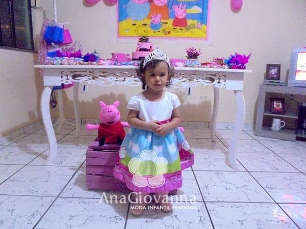 24 Elas vestem vestidos infantil de festa Ana Giovanna