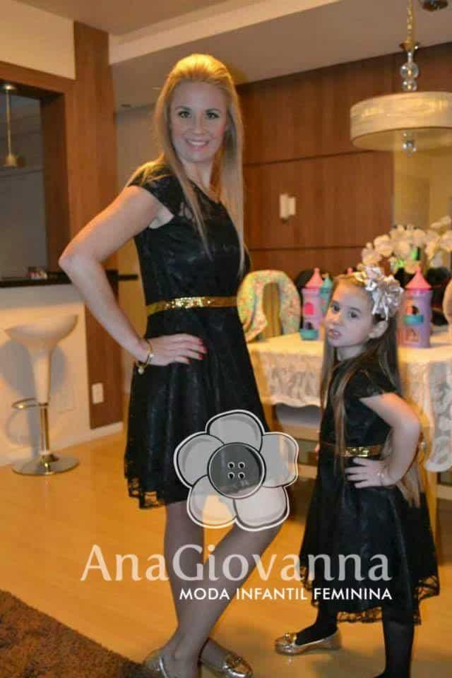31 Elas vestem vestidos infantil de festa Ana Giovanna