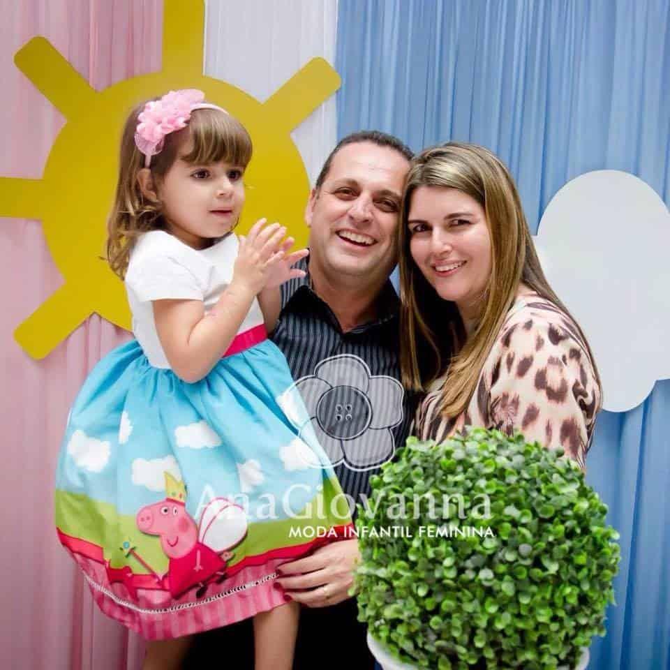 36 Elas vestem vestidos infantil de festa Ana Giovanna