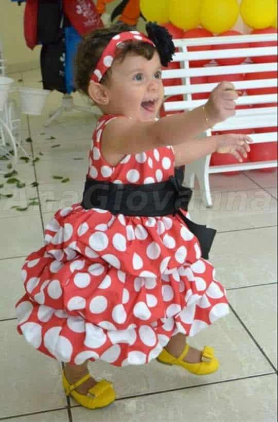 51 Elas vestem vestidos infantil de festa Ana Giovanna