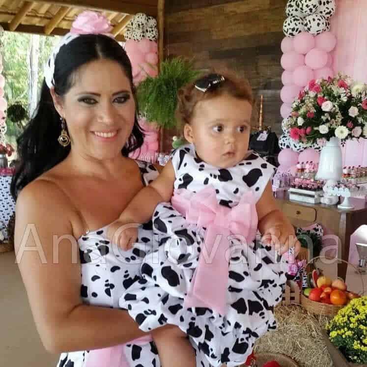 81 Elas vestem vestidos infantil de festa Ana Giovanna