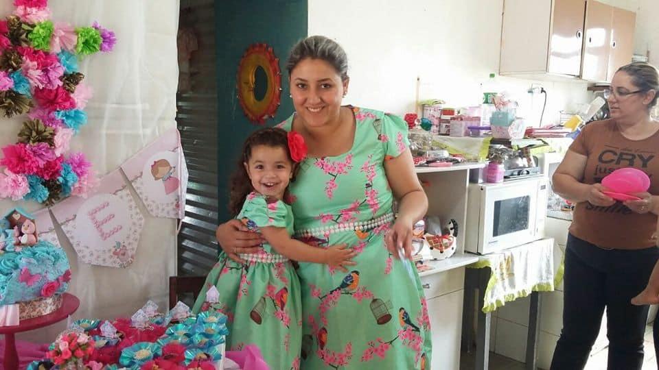 clientepassaros Elas vestem vestidos infantil de festa Ana Giovanna