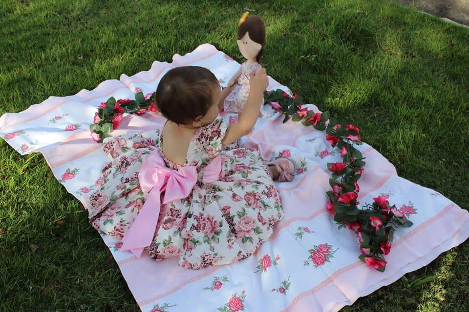 costas Elas vestem vestidos infantil de festa Ana Giovanna