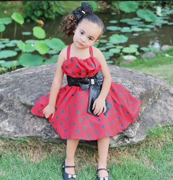 joaninha2 Elas vestem vestidos infantil de festa Ana Giovanna