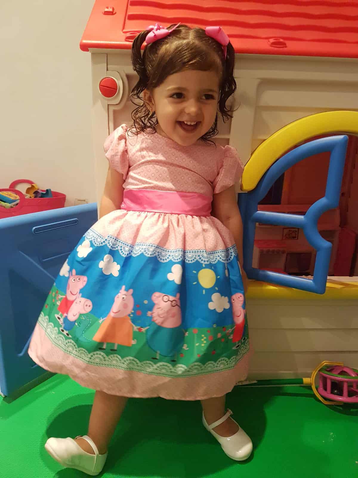 vestido de luxo peppa pig Elas vestem vestidos infantil de festa Ana Giovanna