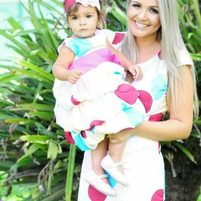 vestido mae e filha patati circo Elas vestem vestidos infantil de festa Ana Giovanna
