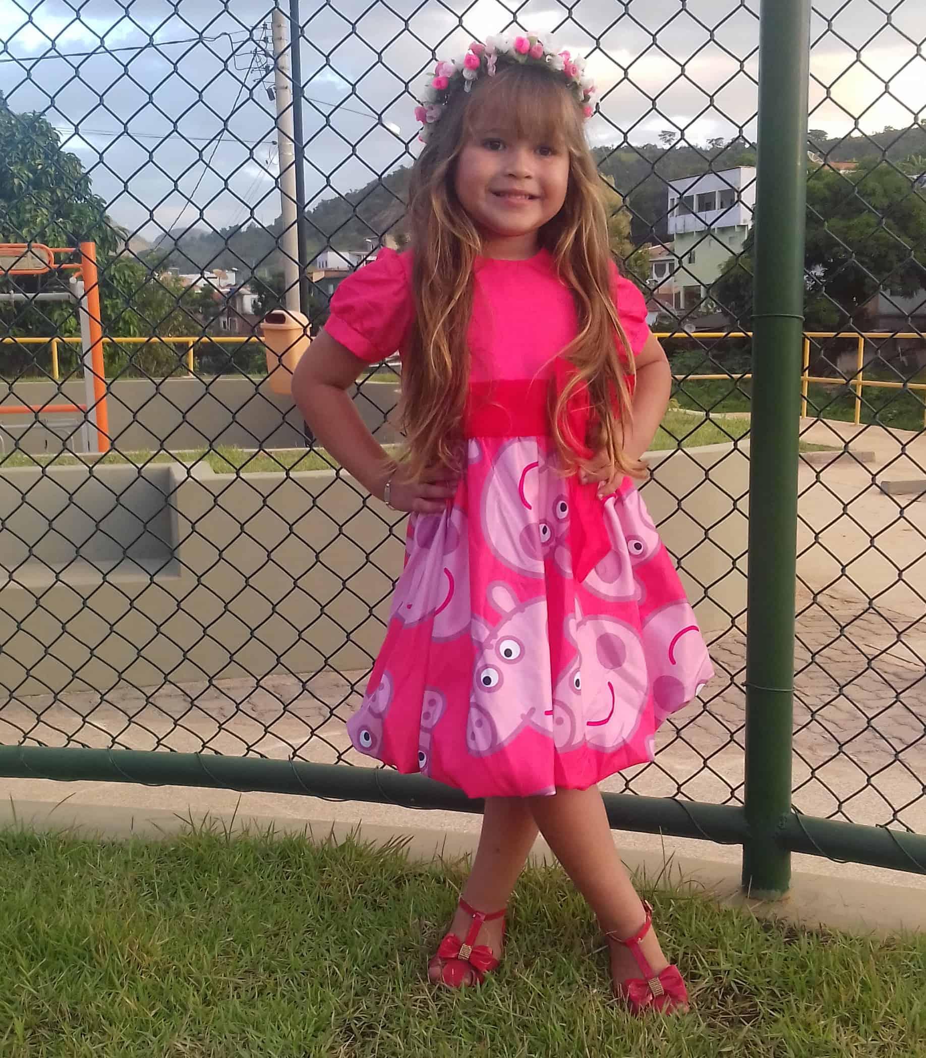 vestido peppa pig3 Elas vestem vestidos infantil de festa Ana Giovanna