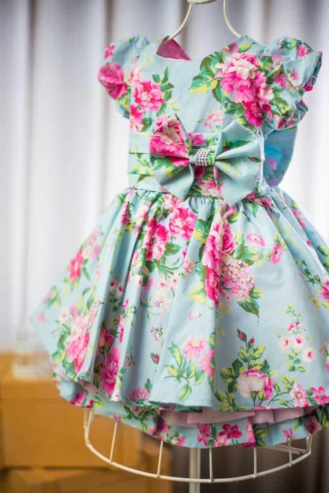 Estampa floral social em tricoline