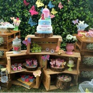 20 ideias para Festa Jardim Encantado, Usando caixotes de madeira